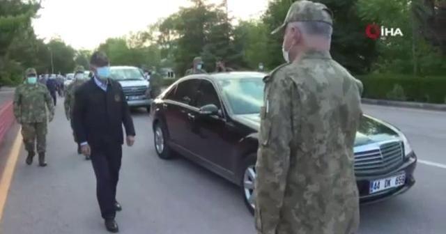 Bakan Akar, TSK komuta kademesi ile 2. Ordu Karargahı'nı ziyaret etti