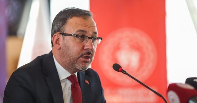 Bakan Kasapoğlu'ndan Emel Dereli'ye tebrik