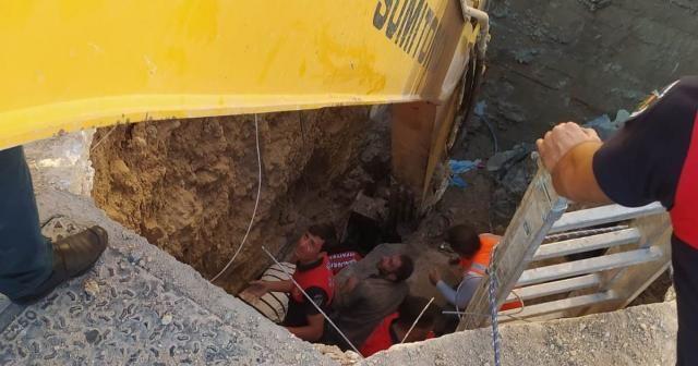 Hastane kanalizasyon hattında göçük: 3 işçi toprak altında kaldı
