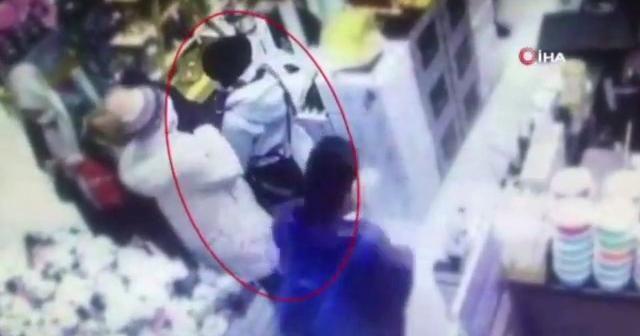 Mağazalara dadanan yankesici kadın önce kameraya, sonra polise yakalandı