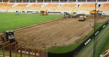 Yeni Malatya Stadyumu'nda çim zemin değişiyor