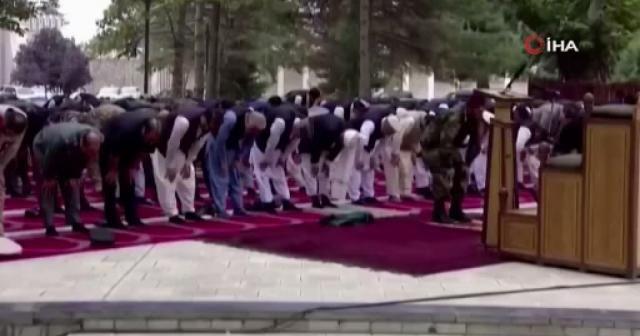 Afganistan'da bayram namazı sırasında roketli saldırı