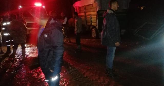 Ağrı'da sağanak yağış sele neden oldu