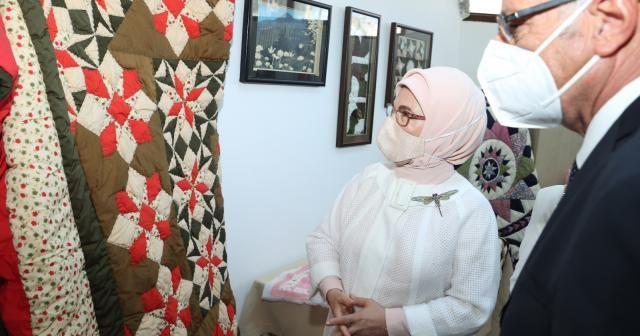 Emine Erdoğan, Girne Belediyesi Sosyal Yaşam Merkezi'ni ziyaret etti