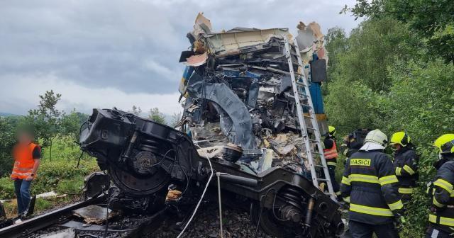 Çekya'da tren kazası: 2 ölü, 40 yaralı