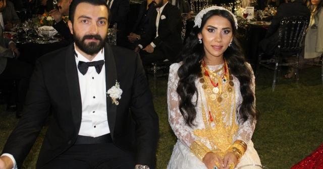 Bin 500 kişilik düğünde yeni evli çifte 2 milyon lira ve 4 kilo altın takıldı