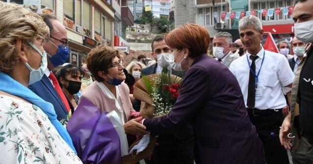 İYİ Parti Genel Başkanı Meral Akşener, Artvin'de esnafı ziyaret etti
