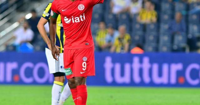 Samuel Eto'o, Kamerun Futbol Federasyonu başkanlığına aday