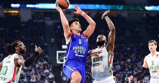 Anadolu Efes, Euroleague'de ilk galibiyetini aldı