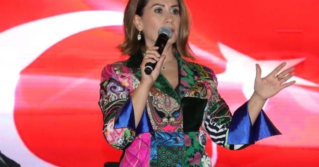 Azerbaycanlı sanatçı Azerin, Şanlıurfalılarla buluştu