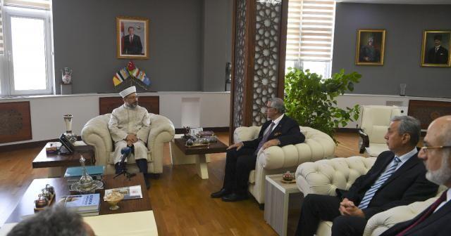 Diyanet İşleri Başkanı Erbaş Kırgızistan'da