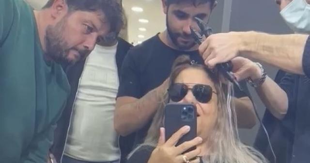 Sanatçı Kibariye'den, kuaförüne 4 bin 200 liralık 'kaynak saç' şoku