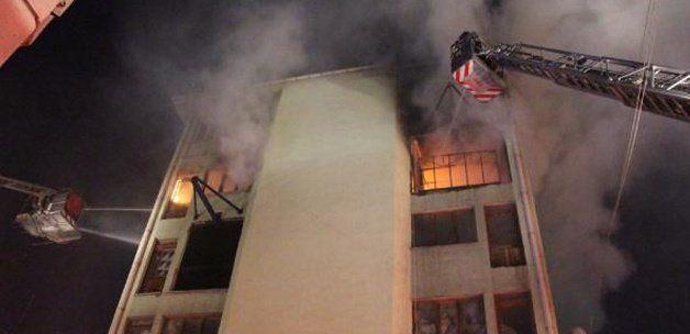 Başakşehir Keresteciler Sanayi Sitesi'nde korkutan yangın