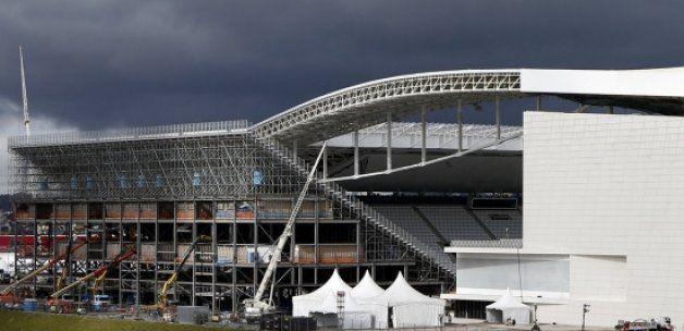 Dünya Kupası başlıyor, inşaatlar hala tamamlanmadı