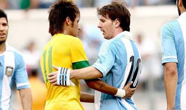Brezilya, Neymar'ı topa tuttu!