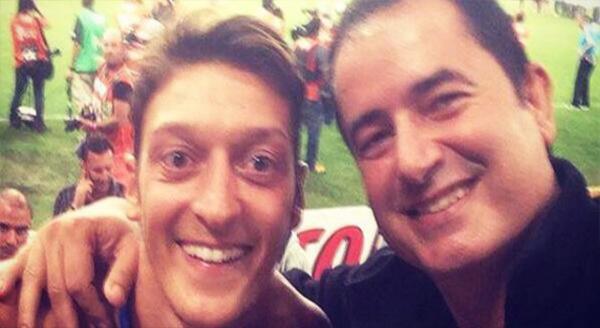 Acun ve  Mesut Özil'den şampiyonluk selfiesi