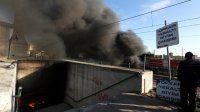 Topkapı Alt Geçidi'nde çok sayıda işyeri yandı