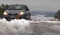 Buzda araba nasıl sürülür. izleyin öğrenin