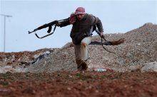 Muhalifler, rejim güçlerine ait 12 askeri noktayı ele geçirdi