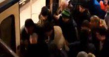 Vagonla peron arasına sıkışan kadın böyle kurtarıldı
