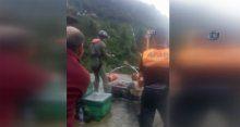 Selden mahsur kalan köylüler helikopterle kurtarıldı