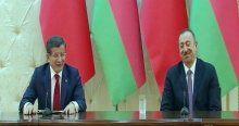 Davutoğlu'nun rüzgar kelimesinin Azericesini kullanması Aliyev'i güldürdü