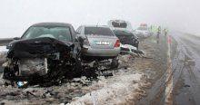 12 araçlık zincirleme kaza! 8 yaralı