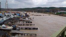 Beykoz'da dere taştı: 3 balıkçı tekne battı