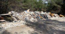 Moloz magandaları, turistik merkezi çöplüğe çevirdiler