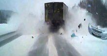 Otomobille kamyon böyle çarpıştı: 2 ölü