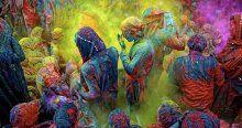 Renklerin festivali 'Holi' kutlanıyo