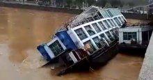 Restoran tekneler taşkın kurbanı oldu