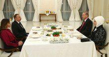 Cumhurbaşkanı Erdoğan, onuruna verilen yemeğe katıldı