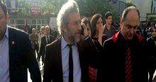 Can Dündar'a saldırı girişimde bulunan zanlı tutuklandı