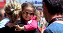 Şehidin küçük kızı her şeyden habersiz babasını gülerek uğurladı