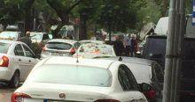 Fatih'te polis aracına bombalı saldırı!