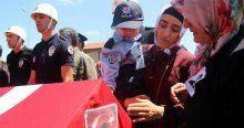 Minik Yusuf, babasını polis selamıyla uğurladı