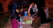 Vatandaşlar ilk sahur heyecanını Eyüp Sultan'da yaşadı