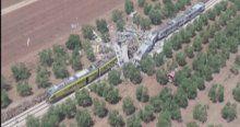 İtalya'da trenler kafa kafaya çarpıştı, En az 12 ölü
