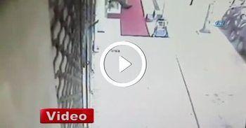 Pendik'teki ilginç kaza güvenlik kamerasında