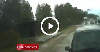 Sürücü uyudu, kamyon dehşet saçtı: 2 ölü !