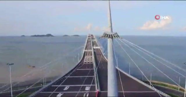 Dünyanın en uzun deniz köprüsü açıldı
