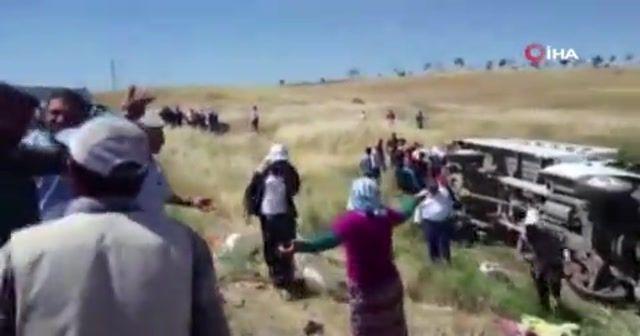 Tarım işçilerini taşıyan kamyonet devrildi: 35 yaralı
