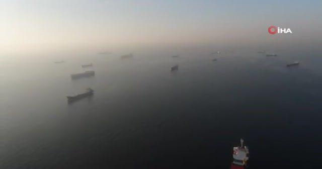 Gemiler sis engeline takıldı