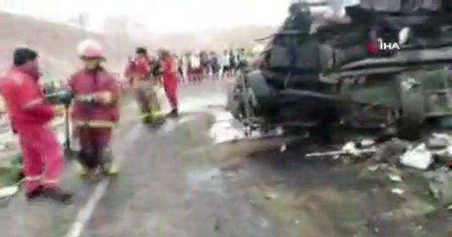 Otobüsler çarpıştı: En az 12 ölü, 68 yaralı