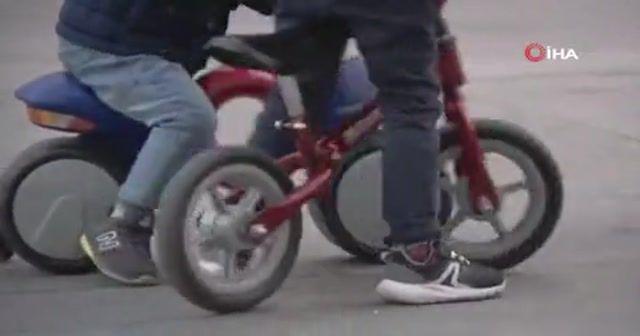 İspanya'da çocuklar 6 hafta sonra sokaklara koştu