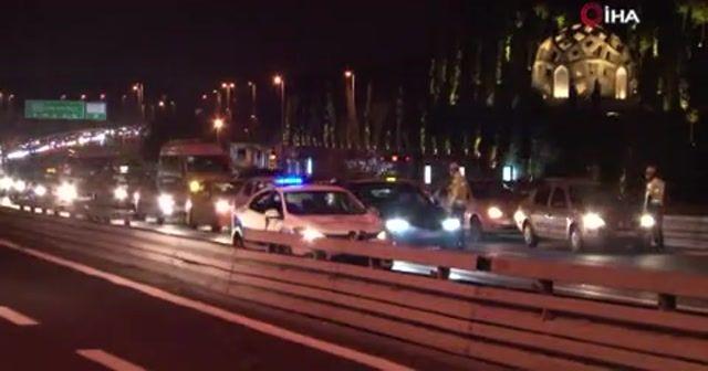 Kısıtlama sonrası 15 Temmuz Şehitler Köprüsü'nde trafik yoğunluğu
