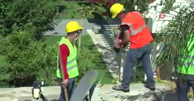 Yılmaz Özdil'in villasının kaçak bölümleri yıkılıyor