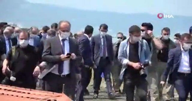 Bakan Kurum, İstanbul Boğazı'na atılan maske ve eldivenlerle ilgili konuştu