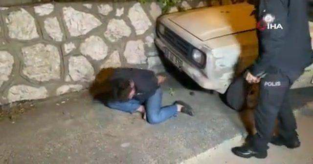 Kısıtlamada boş yolda duvara çarpan sürücü ile polis arasında ilginç diyalog